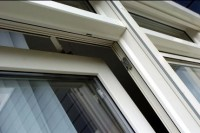 Kunststof raam met draai/kiep systeem
